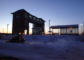 Clearing the way for pedestrians at the station